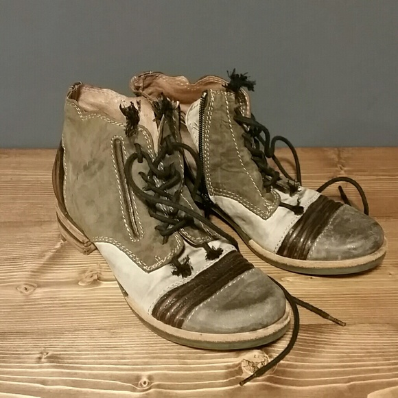 cf1a1bd8839eac Clocharme Italy Shoes - Hiking ankle booties